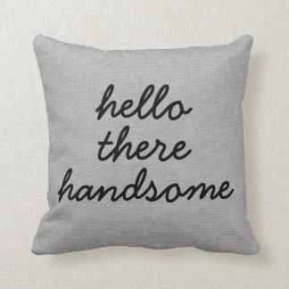 Hola allí jut elegante rústico hermoso del lino de almohada
