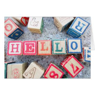 Hola bloques huecos de la palabra de madera del tarjeta pequeña