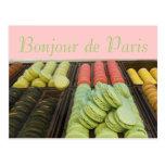 Hola del francés famoso Macroons de París Postal