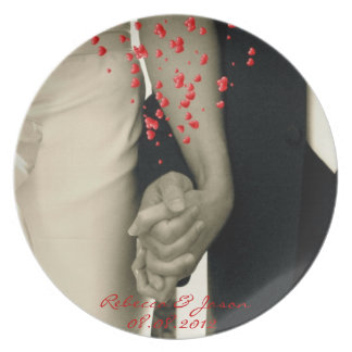 holding hands Balack and white wedding Plate