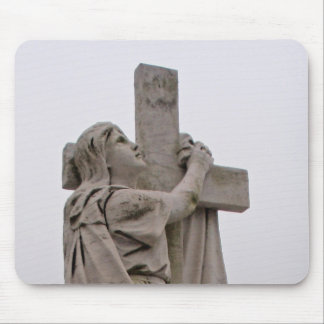 Holding the cross mouse pad