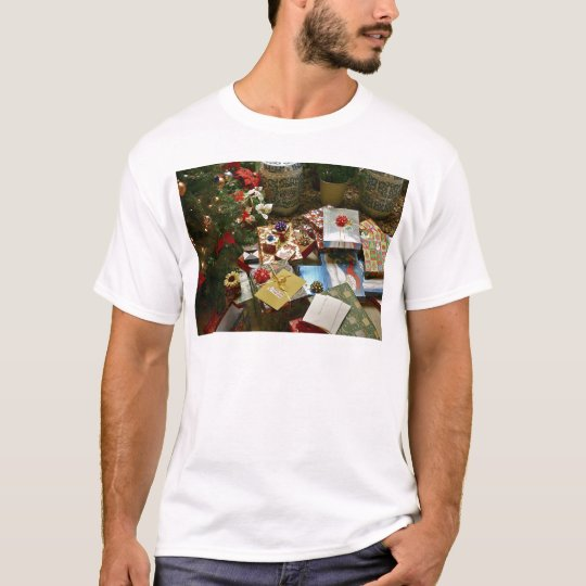 HOLIDAY GIFTS T-Shirt