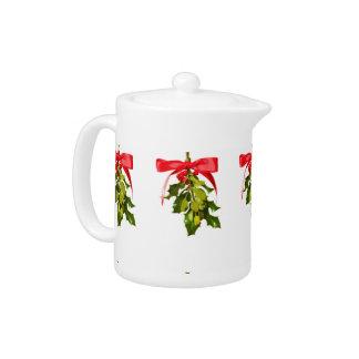 holiday mistletoe teapot
