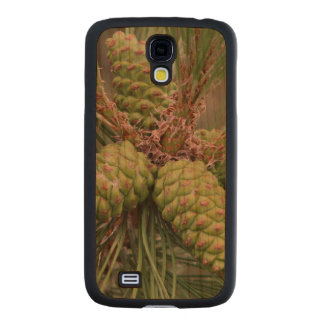 Holiday Pine Cones Carved® Cherry Galaxy S4 Slim Case
