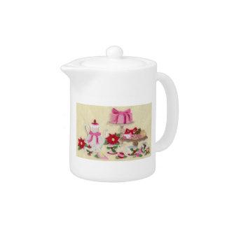 Holiday Tea Pot Homespun design