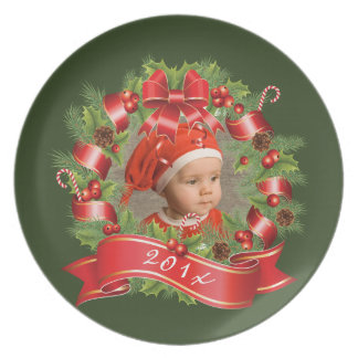 Holiday Wreath Photo Plate With Year