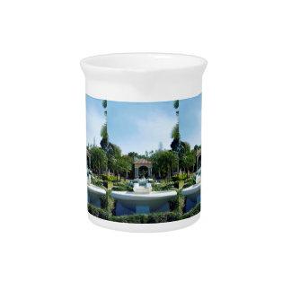 Hollis Gardenscape Jarras