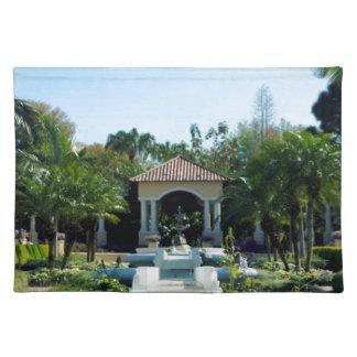 Hollis Gardenscape Mantel Individual