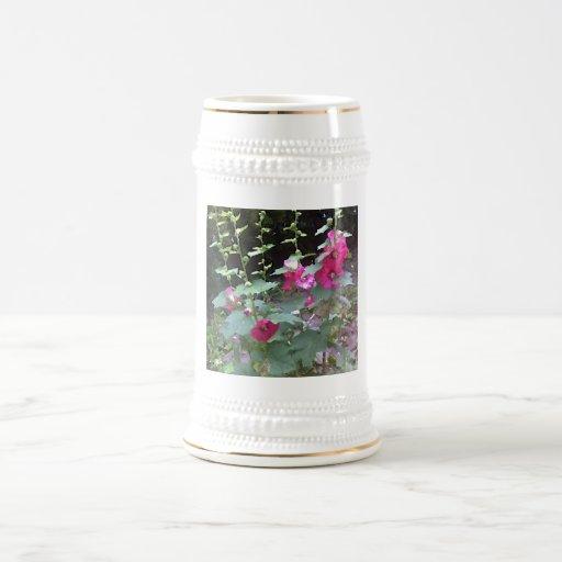 Hollyhock rosado jarra de cerveza