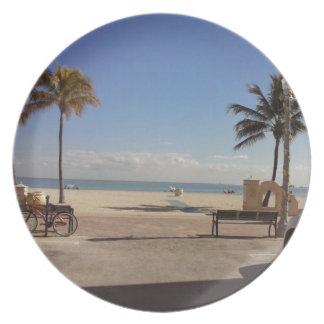 Hollywood Paradise Plate