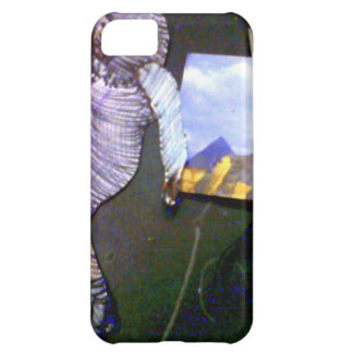 holographic image projected from the time machine case for iPhone 5C