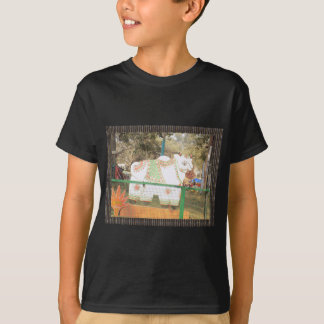 HOLY COW animal statue exhibition festival show T-Shirt