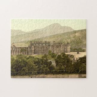 Holyrood Palace, Edinburgh, Scotland Puzzles