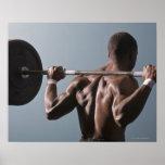 Hombre afroamericano que resuelve el gimnasio 2 póster