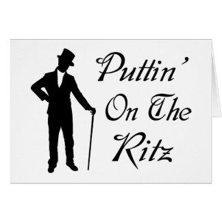 Hombre apuesto Puttin en el Ritz Tarjeta De Felicitación