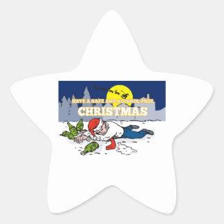 Hombre borracho que lleva el gorra de Santa Pegatina En Forma De Estrella