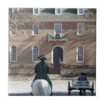 Hombre colonial de Williamsburg en caballo Tejas Ceramicas