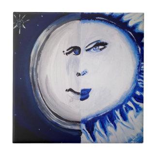 Hombre como la luna y la mujer como el Sun Azulejo Cuadrado Pequeño