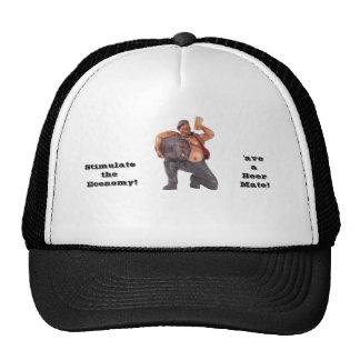 hombre con el barrilete de cerveza gorras