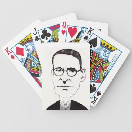 Hombre con los vidrios cartas de juego