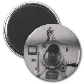 Hombre con una cámara de película (1r tiro) imán redondo 5 cm