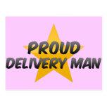 Hombre de entrega orgulloso postales