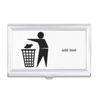 Hombre de la basura que descarga la basura de caja de tarjetas de presentación