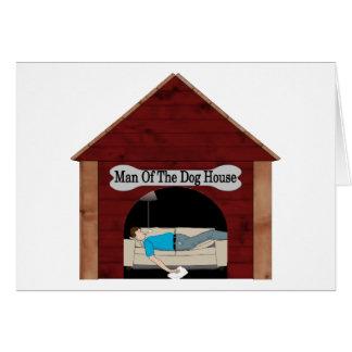 Hombre de la casa de perro felicitación