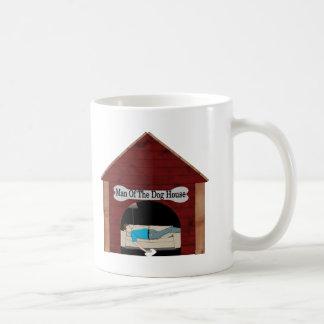 Hombre de la casa de perro tazas de café