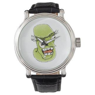 Hombre de monstruo enojado con la expresión reloj de mano
