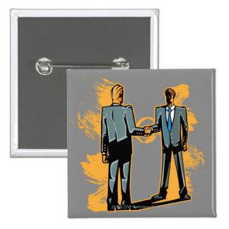 Hombre de negocios dos que sacude las manos pin cuadrado
