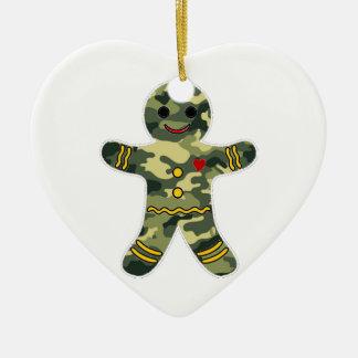 Hombre de pan de jengibre del camuflaje adorno de cerámica en forma de corazón