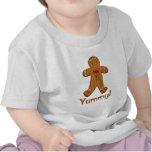 Hombre de pan de jengibre delicioso camisetas