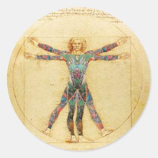 Hombre de Vitruvian de da Vinci con los tatuajes Pegatina Redonda