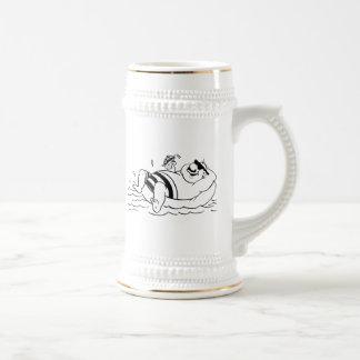 Hombre del dibujo animado en tubo interno jarra de cerveza