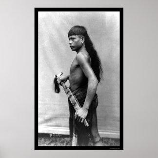 Hombre del Dyak con el arma en Singapur 1899 Póster