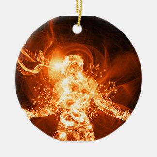 Hombre del fuego adorno navideño redondo de cerámica