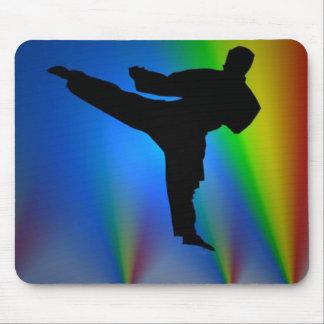 Hombre del karate de la silueta, mousepad