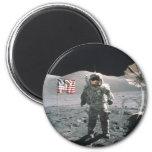 Hombre del último de Apolo 17 en la luna Imán