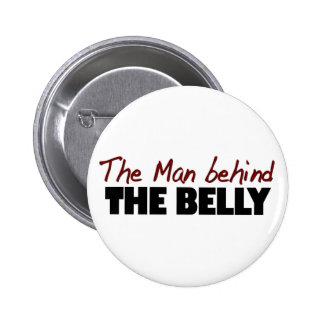 Hombre detrás del Belly Pin