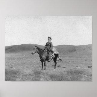 Hombre en caballo con la fotografía matada del ant póster