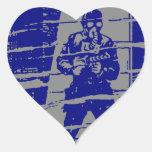 Hombre en entrada colcomanias de corazon personalizadas