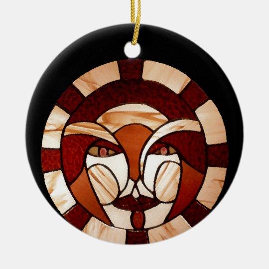 Hombre en la noche del negro del vitral de la luna adorno navideño redondo de cerámica