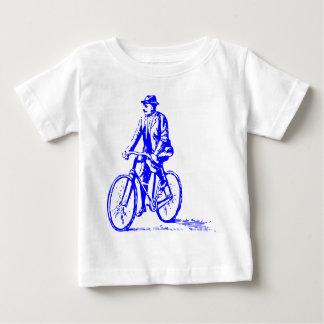 Hombre en una bici - azul playera de bebé