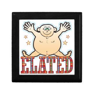 Hombre gordo exaltado joyero cuadrado pequeño