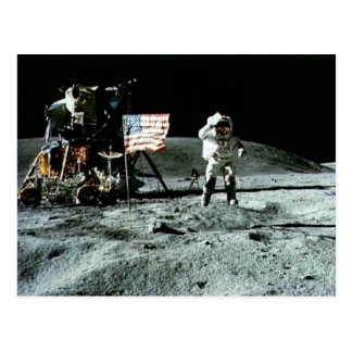 Hombre histórico en la luna tarjetas postales