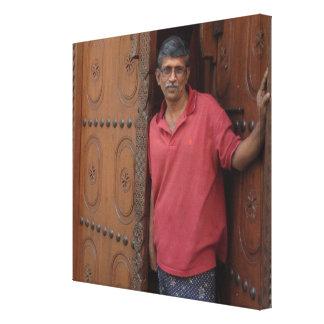 Hombre indio en el Reino de Bahrein Impresiones En Lona