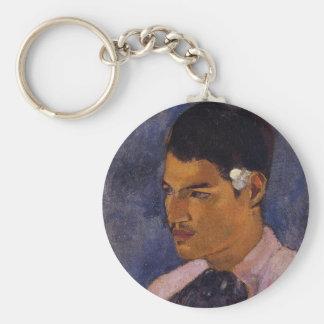 """""""Hombre joven con una flor"""" - Paul Gauguin Llavero Redondo Tipo Pin"""