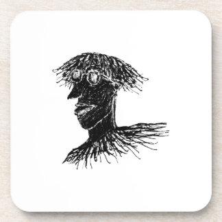 Hombre largo joven fresco del pelo con el dibujo posavasos de bebida