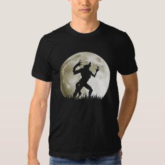 Hombre lobo en la Luna Llena - Halloween fresco Polera
